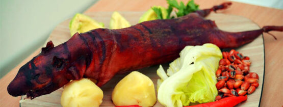 el-cuy-asado-receta-reconocida-en-biblian-en-plato-fuerte